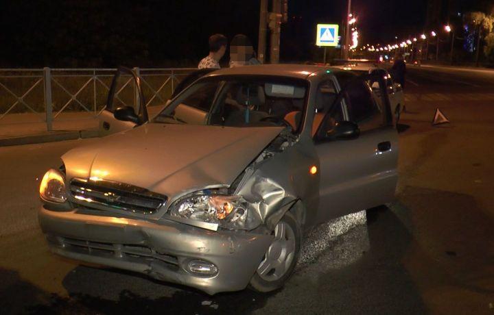 На Оренбургском тракте Chevrolet врезался в Subaru