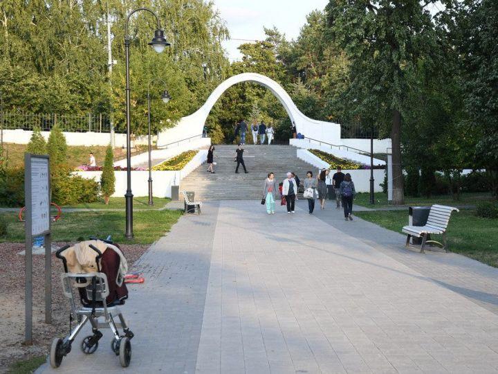 В Казани в парке «Черное озеро» началась реставрация «Арки влюбленных»