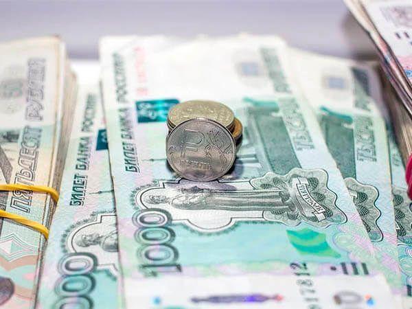В правительстве России надеются, что доходы населения перестанут падать в течение года