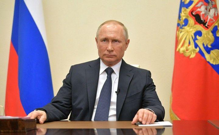 «У нас одна общая цель»: Путин поздравил Минниханова с Днем России