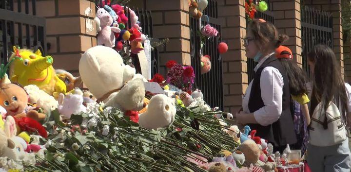 «Любая травма – это поворотный пункт»: психолог рассказал, как помочь детям справиться со стрессом после бойни в 175-й школе