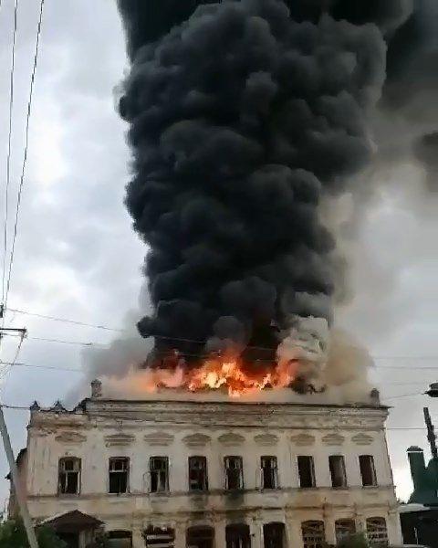 В МЧС рассказали подробности пожара в Елабуге