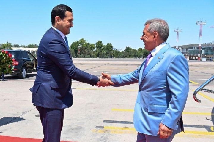 Минниханов прибыл с рабочим визитом в Узбекистан