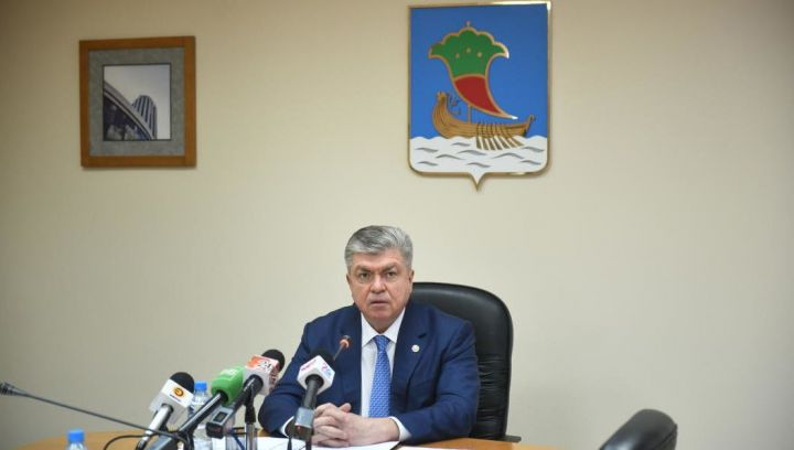 Наиль Магдеев поздравил жителей Набережных Челнов с Сабантуем