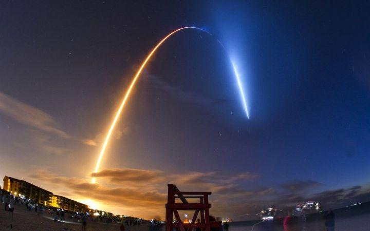 SpaceX планирует к сентябрю обеспечить весь мир беспроводным интернетом