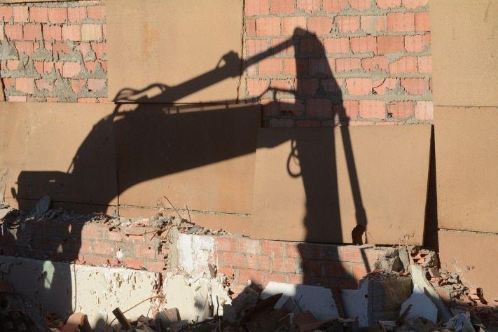 В Казани снесут десятки торговых объектов, ряд шлагбаумов и столбиков