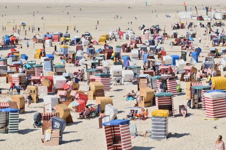 С 1 августа на курорты Краснодарского края будут впускать только привитых туристов