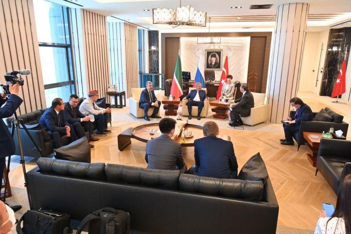 Минниханов встретился с президентом Союза палат и товарных бирж и министром торговли Турции