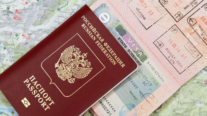 В России срок действия подлежащих замене паспортов продлили на 90 дней
