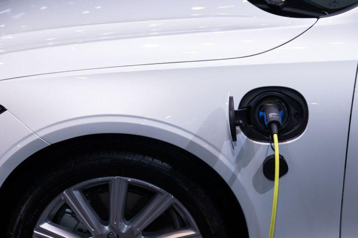 В России планируют выпускать электромобили собственного производства
