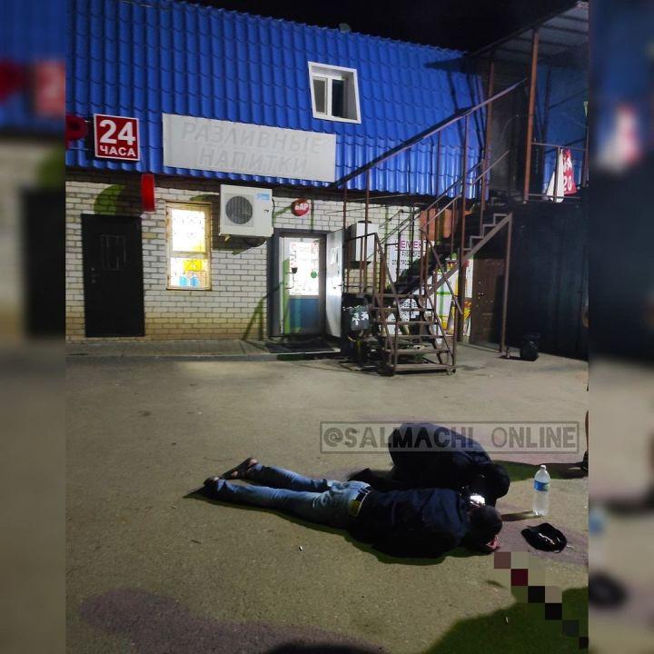 Соцсети: в Куюках жестоко избили двоих мужчин