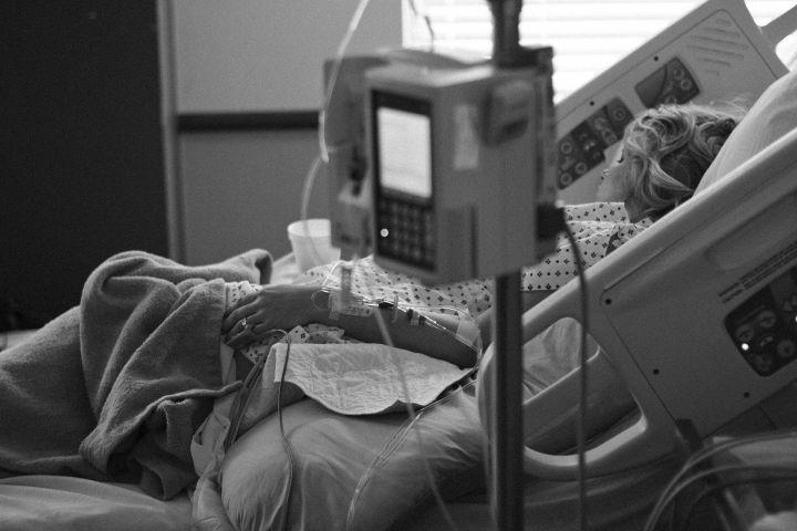 В Казани врач показала смерть пациента от COVID-19 в прямом эфире