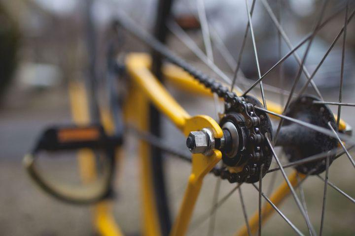Казанца приговорили к году тюрьмы за кражу велосипеда у курьера