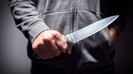 В Казани коллекторы избили должницу стулом и ударили ножом