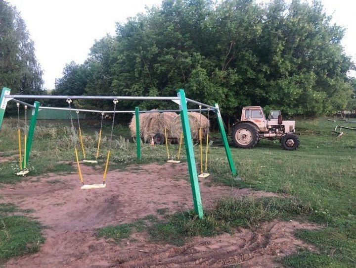 В Татарстане трактор насмерть задавил ребенка