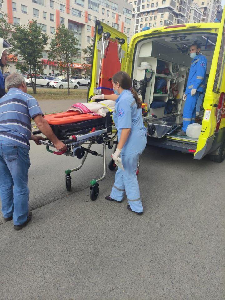 В Казани на девочку упал шкаф - понадобилась помощь спасателей