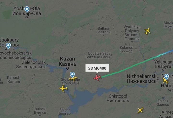 В казанском аэропорту из-за разгерметизации экстренно сел самолет