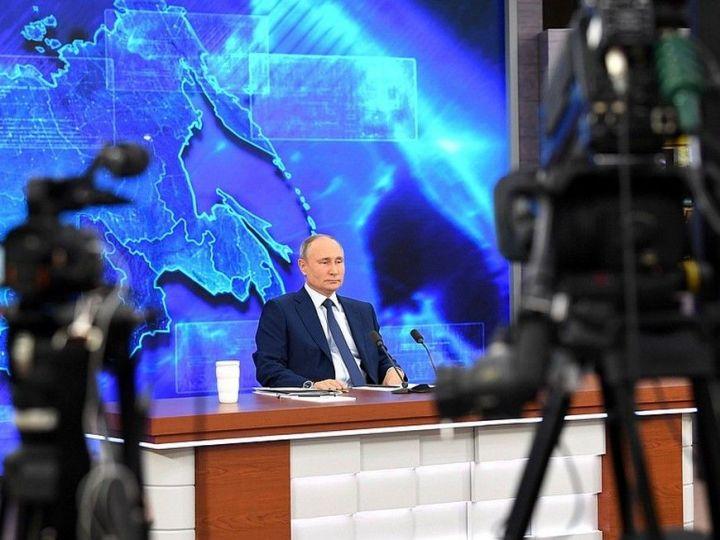 Путин: власти должны оперативно реагировать на изменение ситуации с ковидом