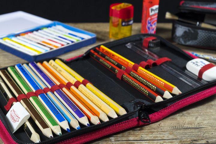 Усиленная охрана, учебники и ремонт в классе: что не имеют права требовать от родителей школьников