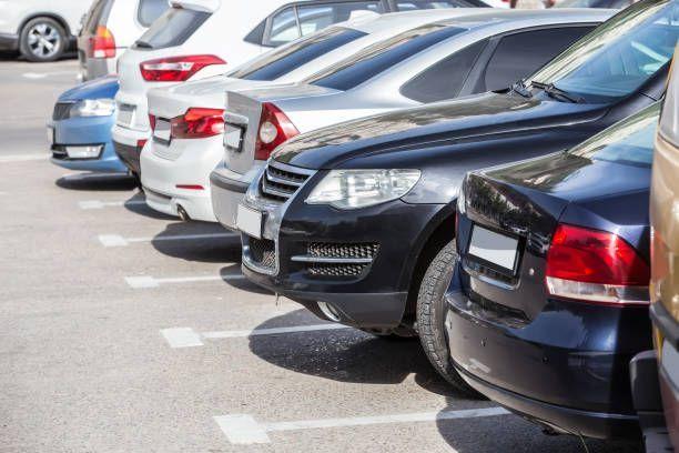 На платных муниципальных парковках Казани стало меньше мест