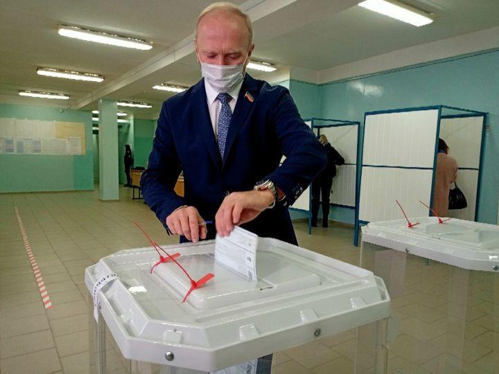 Владимир Чагин принял участие в выборах депутатов Госдумы VIII созыва