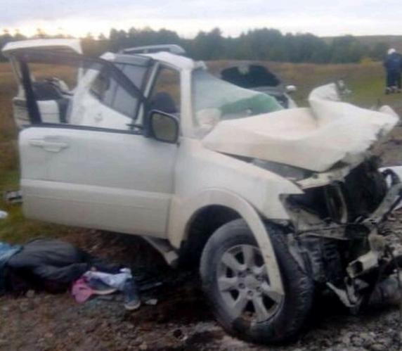 На трассе в Татарстане столкнулись три автомобиля – сообщается о погибших