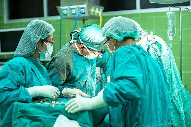 В Челнах врачи провели сложную операцию по удалению тромбов в легких через прокол