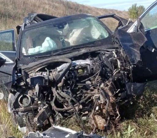 В Татарстане Jaguar вылетел с трассы в кювет — есть пострадавшие