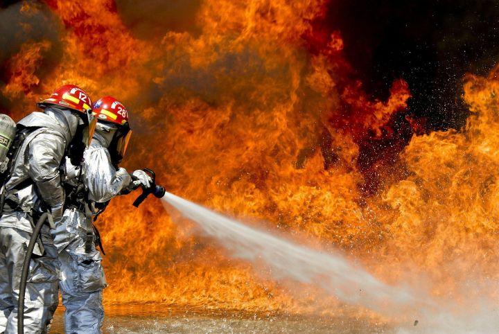 В Набережных Челнах сгорел строящийся дом