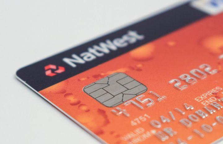 В МВД предложили наказывать россиян за передачу банковских карт третьим лицам
