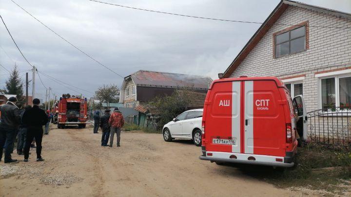 В Приволжском районе Казани загорелся частный дом