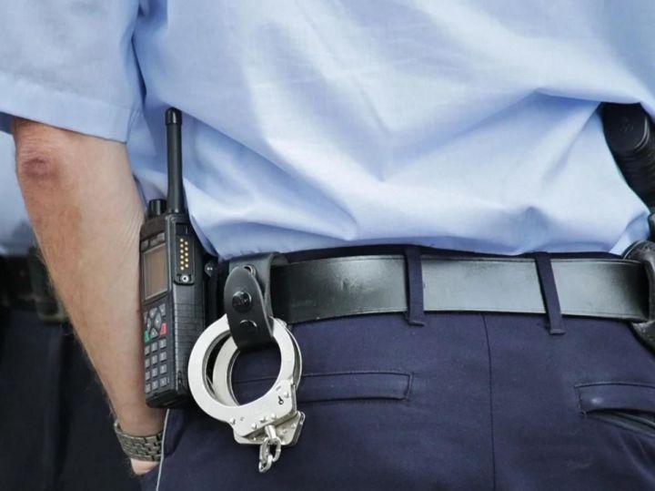 В Челнах полиция нагрянула в дом, в котором каждый вечер собираются проститутки