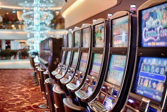 В Челнах полицейские закрыли подпольное казино в подвале дома