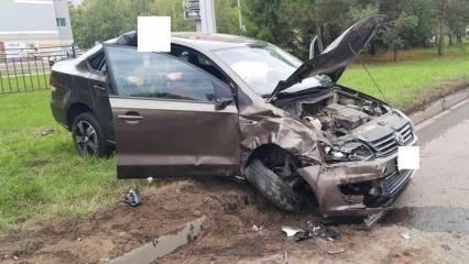 В Нижнекамске в результате аварии пострадали водитель Volkawagen и девочка-пассажирка