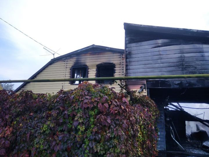 В казанском поселке Отары произошел крупный пожар