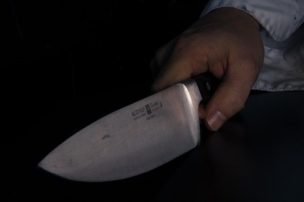 Татарстанец приревновал экс-сожительницу к другу и ударил его в спину ножом
