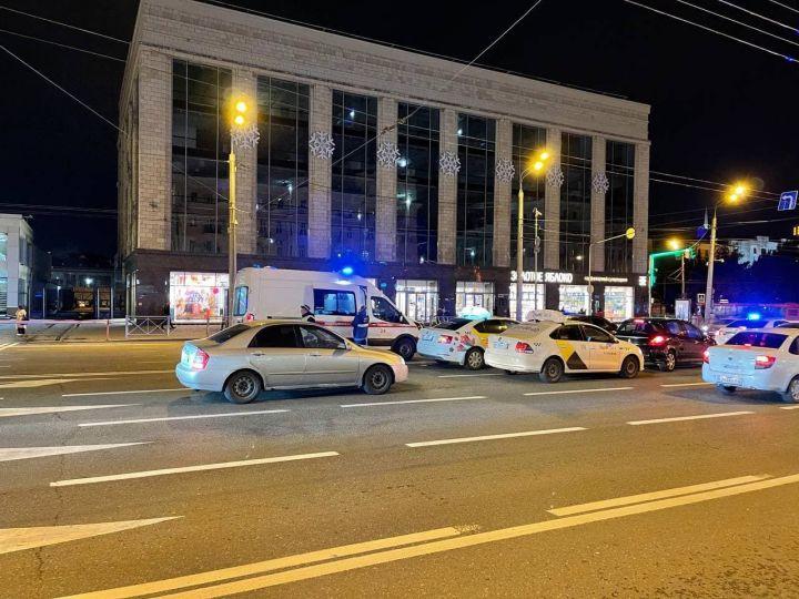 В центре Казани столкнулись два автомобиля KIA – образовалась пробка